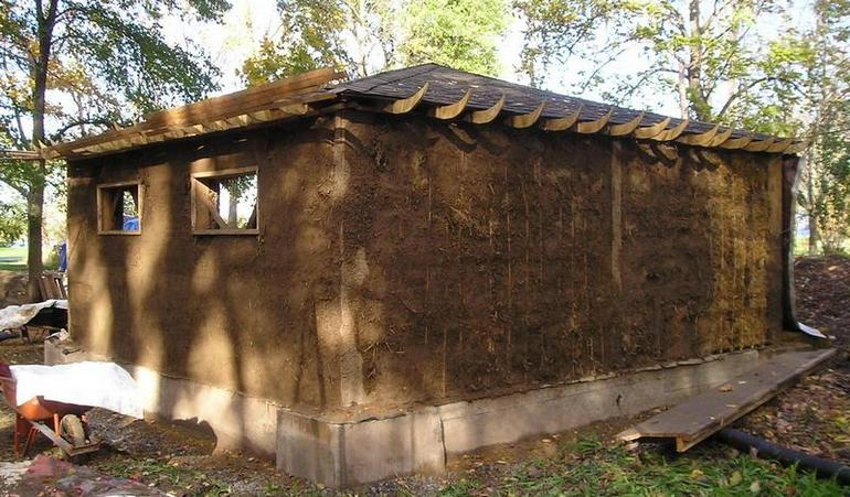 Mudhut strawbale job news from the woods for Straw bale house cost per square foot